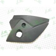 Крышка под фару пластик (правая) JL150-70C