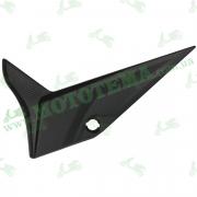 Нижняя ЛЕВАЯ боковая крышка АКБ, пластик Loncin JL200-68A CR1S 340830009-0001